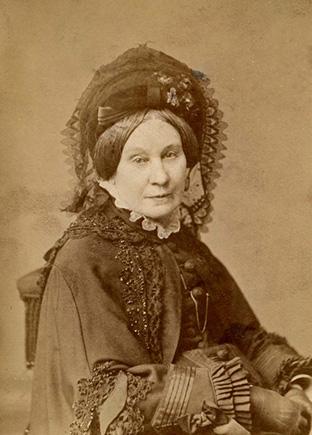 Pavardės prancūzų, lenkų, lietuvių, vokiečių, anglų, rusų italų kalbomis, kuriomis įvardijama Sofija Viktorija Tyzenhauzaitė-de Šuazel Gufjė